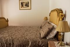 Queen Bed in Bridal Suite - upstairs